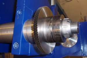 Groove cutting tool blades